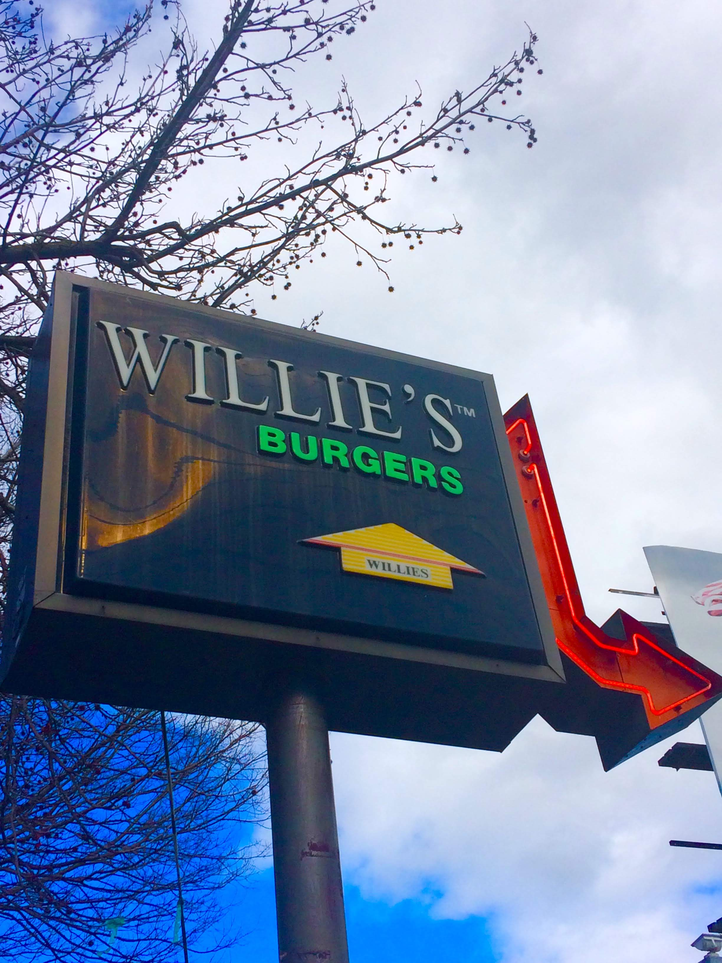 tiny travel chick indoor things to do in sacramento willie's burgers