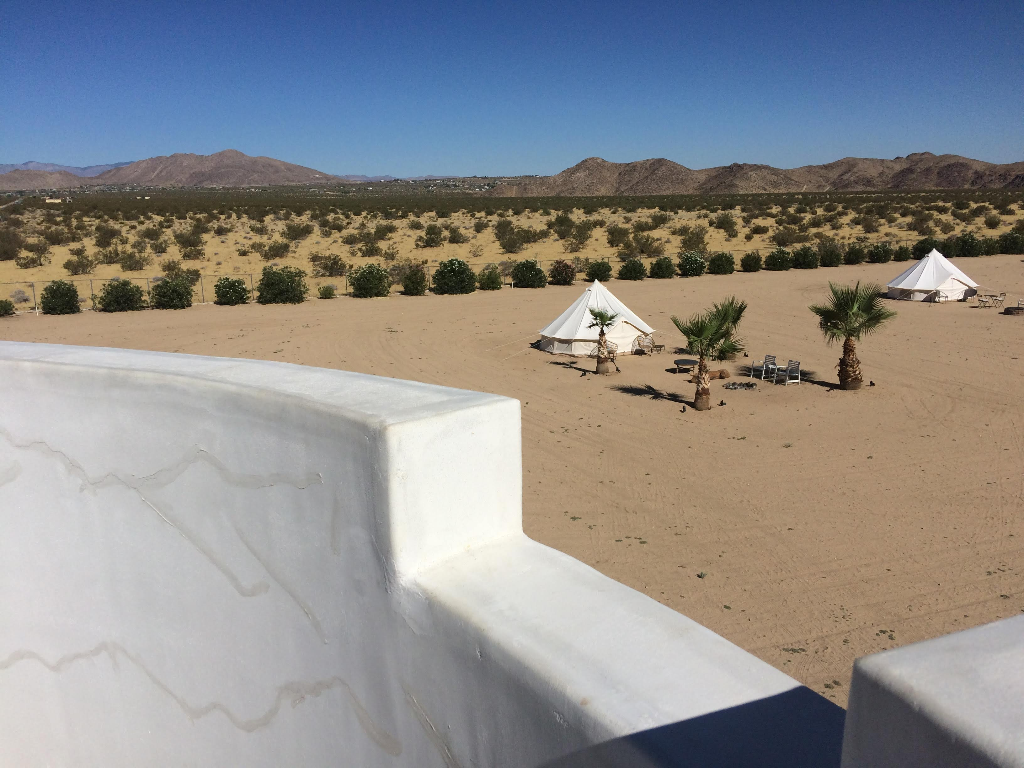 tiny travel chick unique things to do in southern california castle house estate roof top views