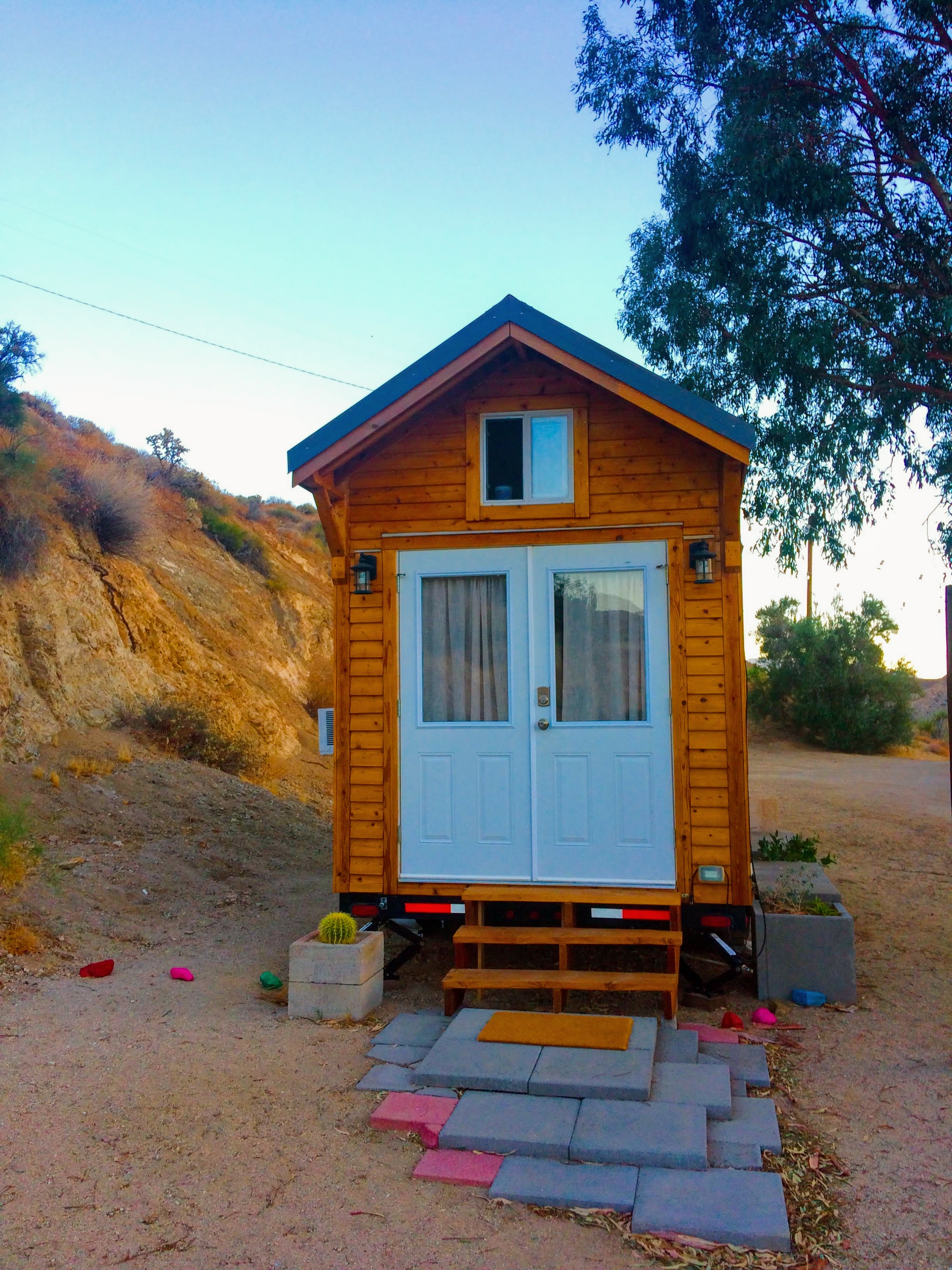 tiny travel chick unique things to do in southern california paper moon outpost tiny house