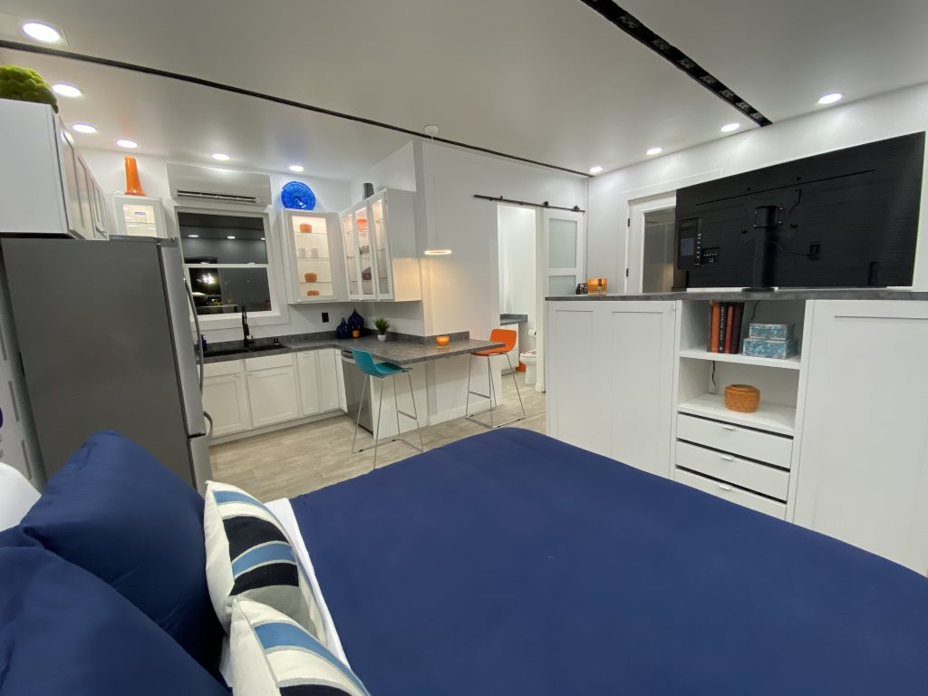 tiny travel chick prefab container house tiny house