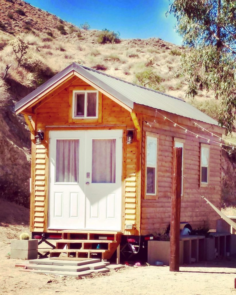tiny travel chick tiny house getaways papermoonoutpost
