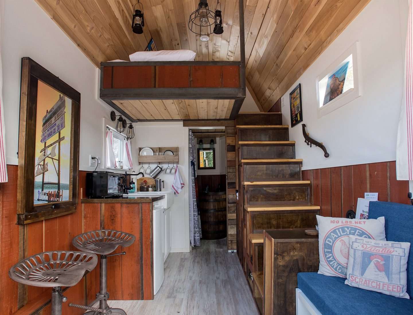 tiny travel chick small beautiful houses barn stairs